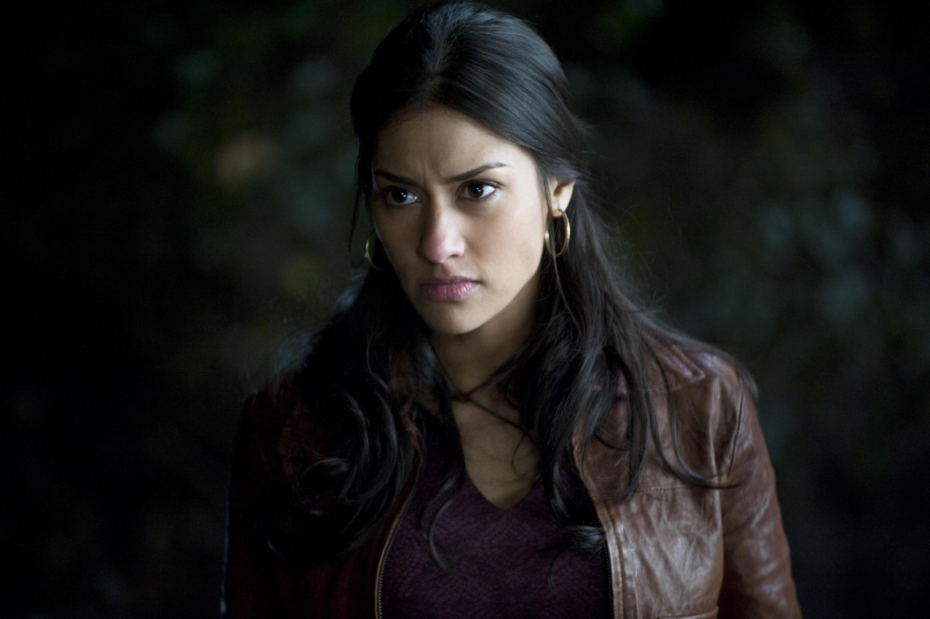Spoilers Janina Gavankar Reveals Tearful Scene And Luna S Big Mistake True Blood Net